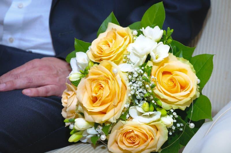 Download Bridal букет стоковое изображение. изображение насчитывающей поженитесь - 33726199