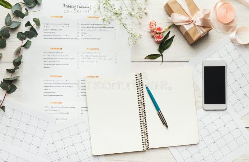 Bridal предпосылка с контрольным списоком плановика стоковое фото rf