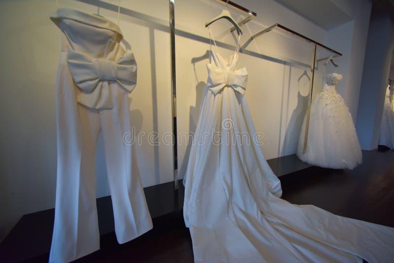 Bridal платья во время Виктора и Rolf Mariage представление собрания скачут/лета 2018 стоковое фото