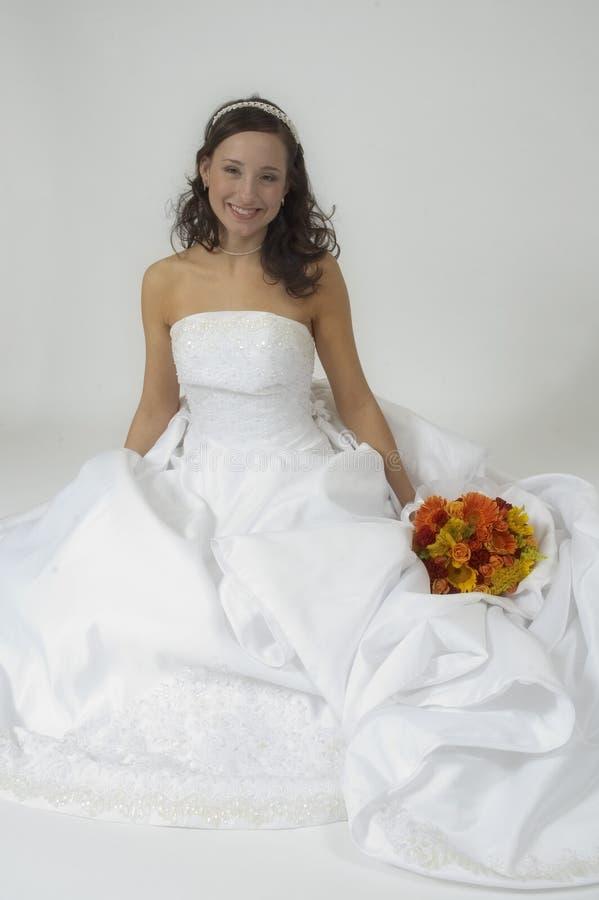 bridal усаживание портрета стоковое изображение
