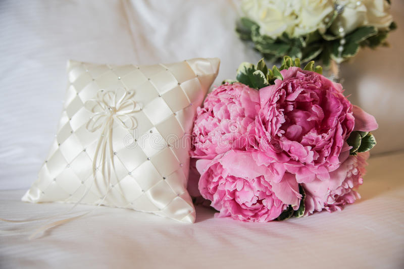 Download Bridal bouquet stock image. Image of petals, decorative - 25924379