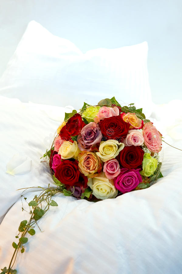 Free Bridal Bouquet On A Bed Stock Image - 17859311