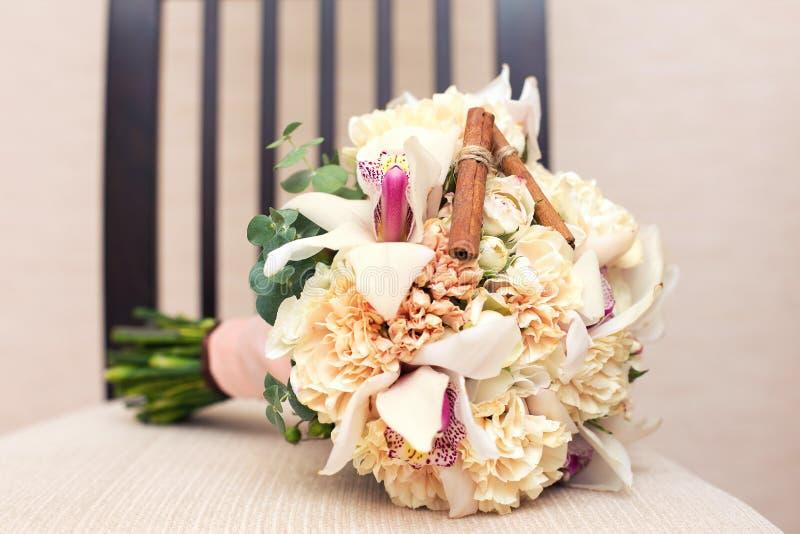 Bridal bukiet z cynamonem fotografia royalty free