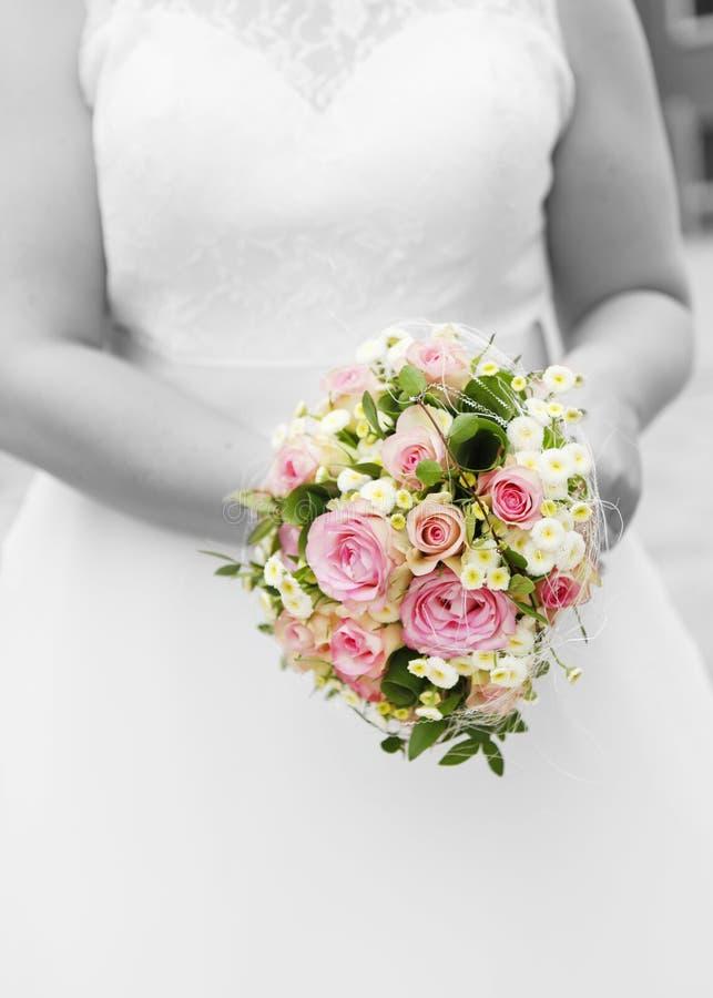 Bridal bukieta Ślubna suknia obraz stock