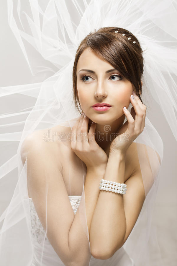 Bride Fashion Beauty Portrait, Wedding Face Makeup Hairstyle. Jewelry Pearls Bracelet stock photos