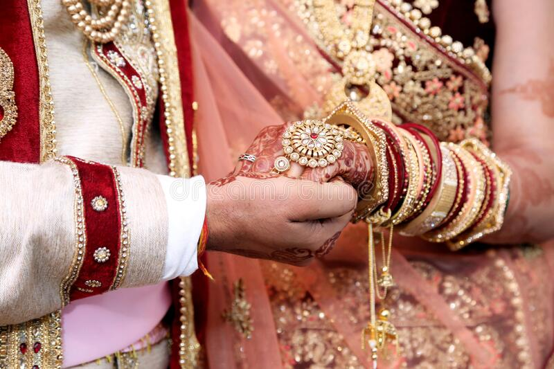 1 391 Indian Wedding Couple Hand Photos Free Royalty Free Stock Photos From Dreamstime