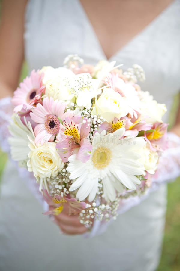 Download The Bride Have Wedding Bouquet Stock Image - Image: 18375859