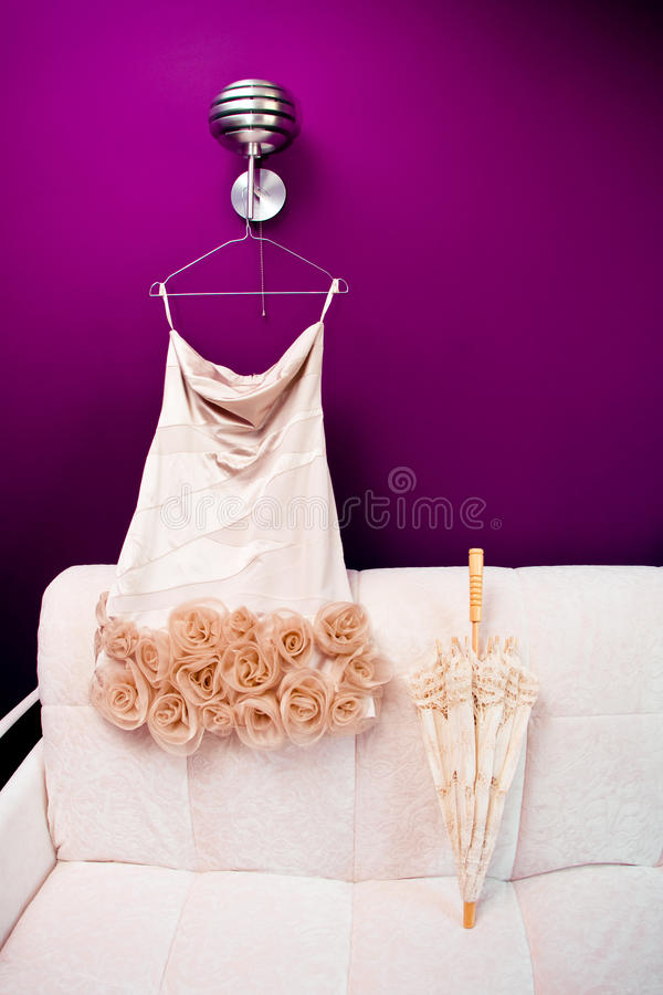 Free Bride S Beautifull Dress And Umbrella Royalty Free Stock Photography - 19576257