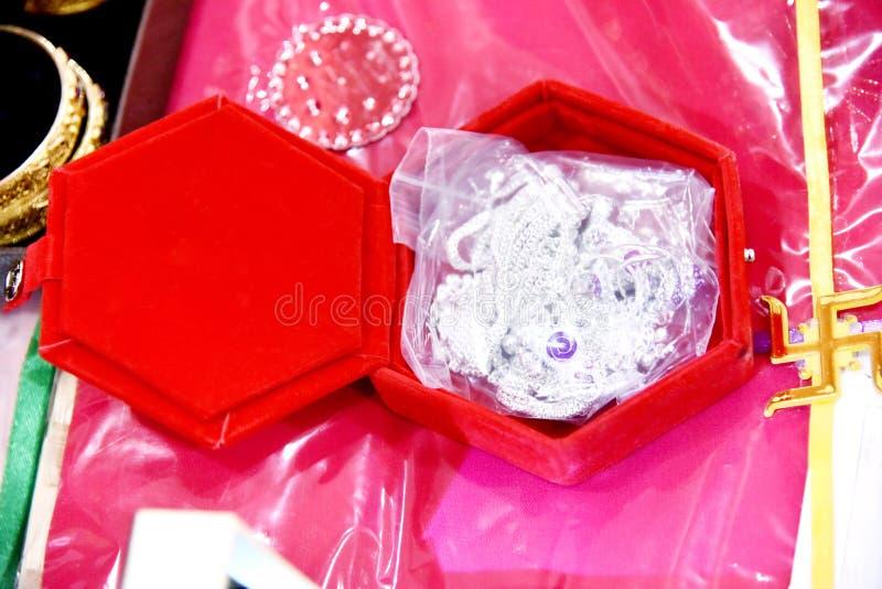 Bride's Jewelery in Indian Wedding fotografering för bildbyråer