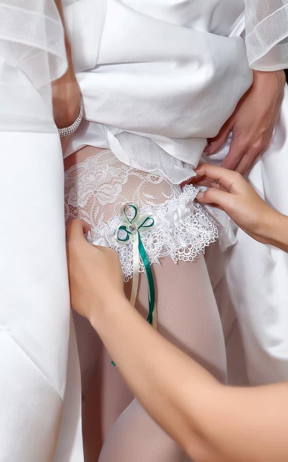 Close Up Bride Shows Us Whatu0027s Under Her Dress