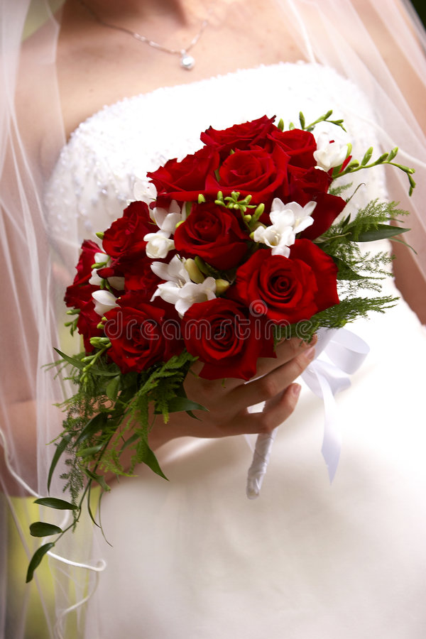 Free Brides Red Roses Royalty Free Stock Photos - 171708