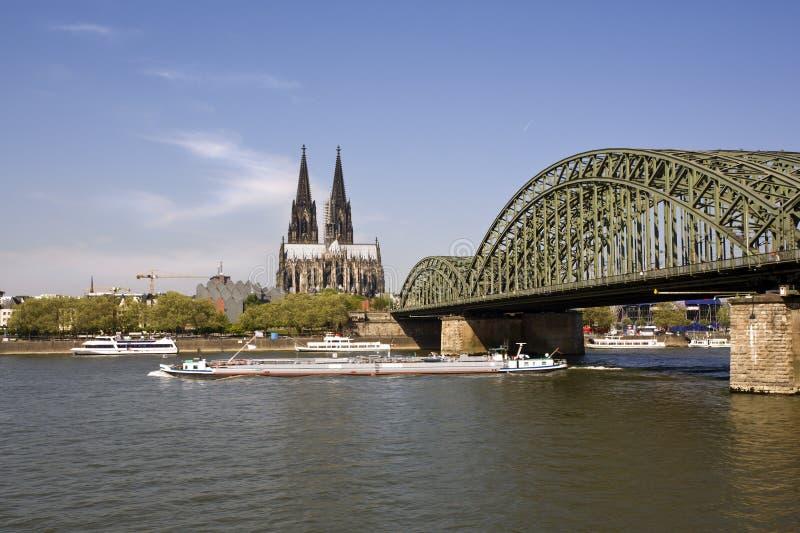 bridg大教堂科隆香水hohenzollern莱茵河 免版税库存图片