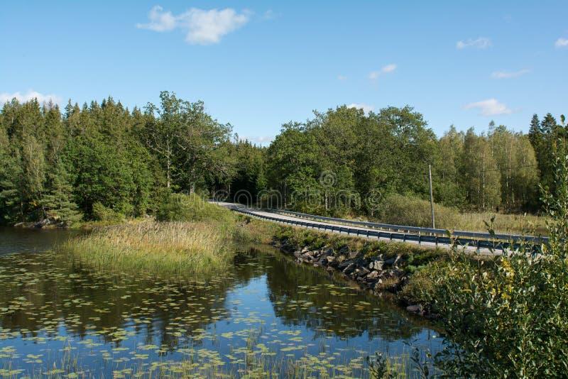 Bridge Ensilage Αγροτικό τοπίο στη Σουηδία στοκ εικόνα με δικαίωμα ελεύθερης χρήσης