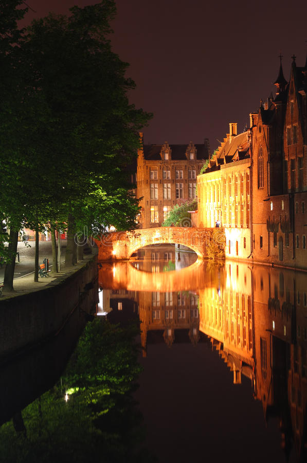 Download Bridge at night Bruges stock image. Image of benelux - 19918059