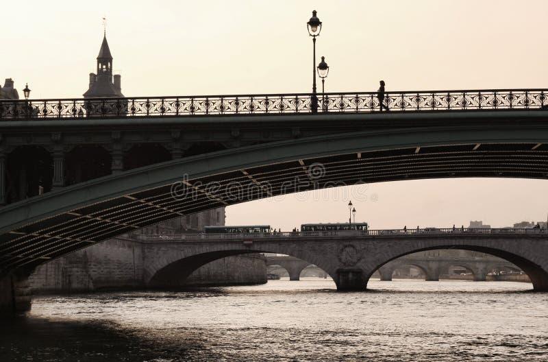 Download Bridge Of The Seine To The Isle De La Cite Stock Photo - Image: 8948872