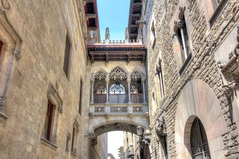 Bridge of sighs Pont dels Sospirs in Gothic quarter, Barcelona, Spain stock photography