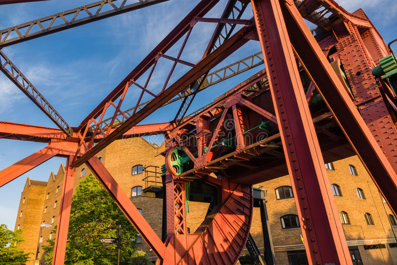 Bridge on Wapping wall road over the shadwell basin stock photography