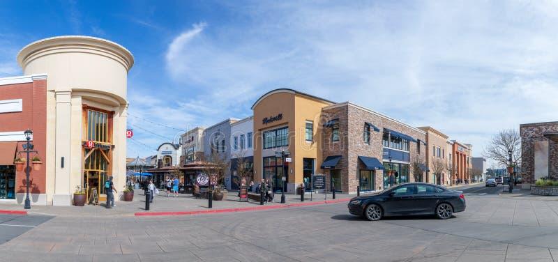 Bridgeport by, shoppinggalleria i den Tigard staden, Oregon arkivbild