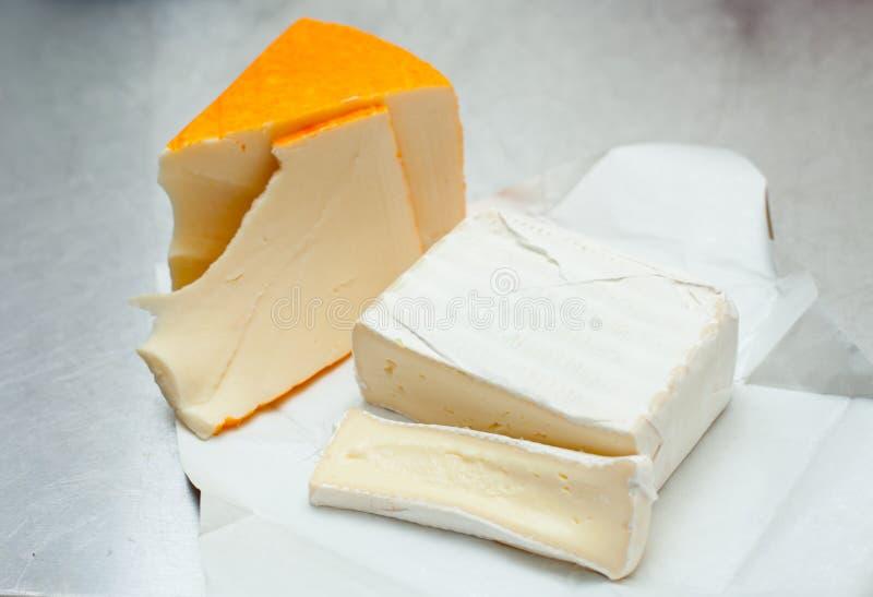 Brie τυριών μαλακά είδη, γαλλικός γαστρονομικός στοκ εικόνες με δικαίωμα ελεύθερης χρήσης