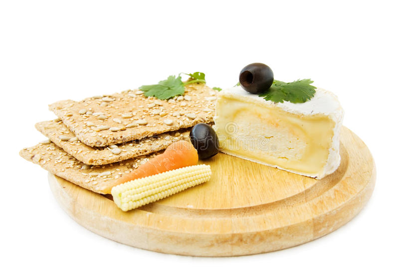 Brie en crackers stock foto