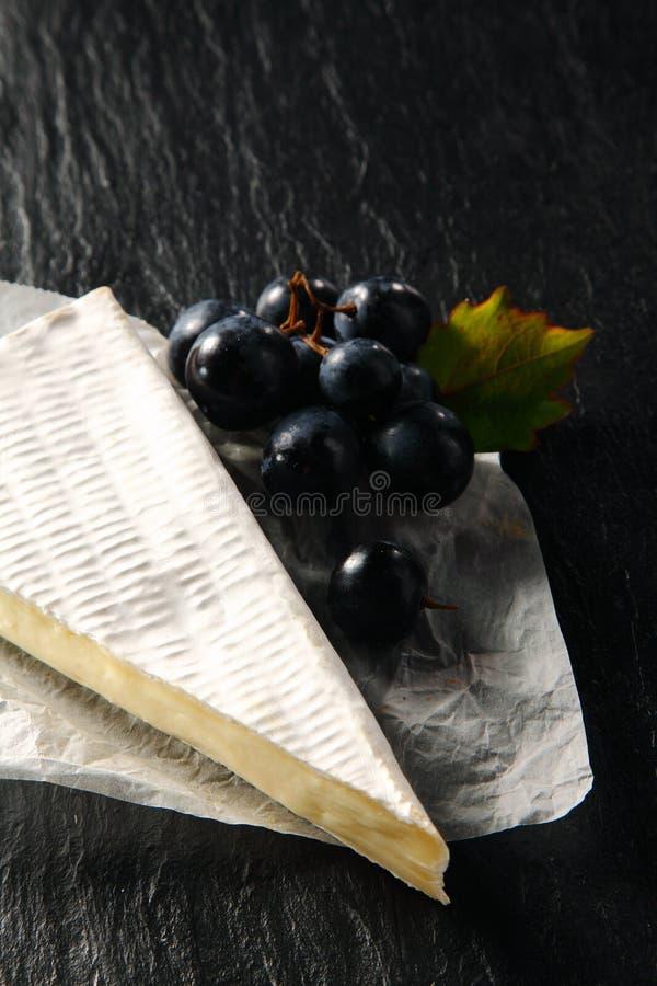 Brie francese cremoso gastronomico fotografia stock libera da diritti