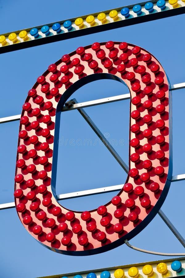 Brief O in lichten stock foto