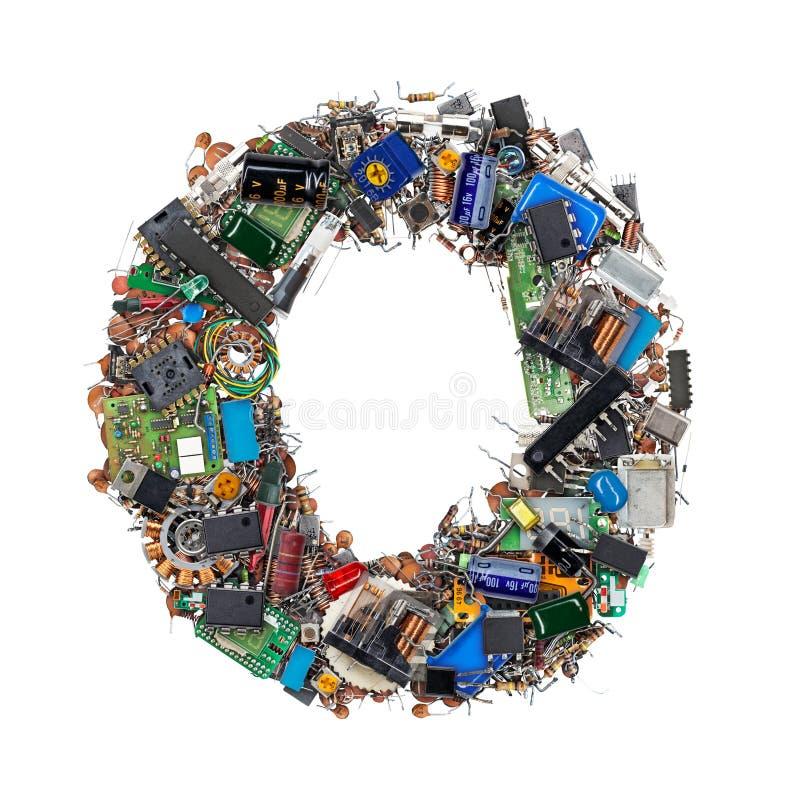 Brief O van elektronische componenten wordt gemaakt die royalty-vrije stock fotografie