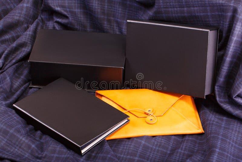 Briefpapier oder Kanzleigericht gelegen auf dem Gewebe stockfoto