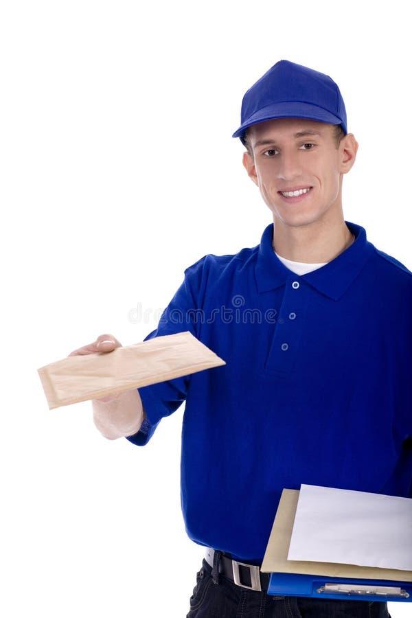Briefträger, der Post liefert stockfotografie