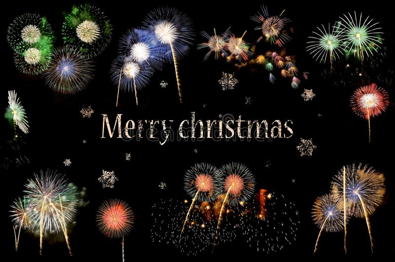 Brieven Vrolijke Kerstmis en flitsen van vuurwerk royalty-vrije stock foto's