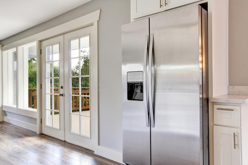 Bright kitchen room with steel appliances and granite tops. Northwest, USA stock images