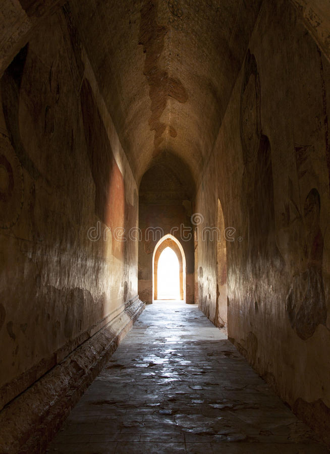 Download Light At The End Of The Tunnel Stock Image - Image: 29865401