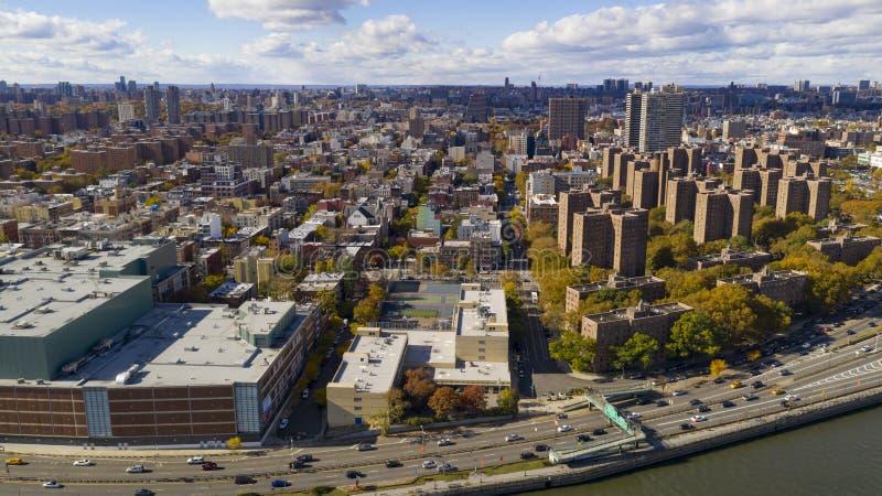 Bright Sunny Day over de gebouwen van de huisvestingsautoriteit in Harlem New York stock foto's