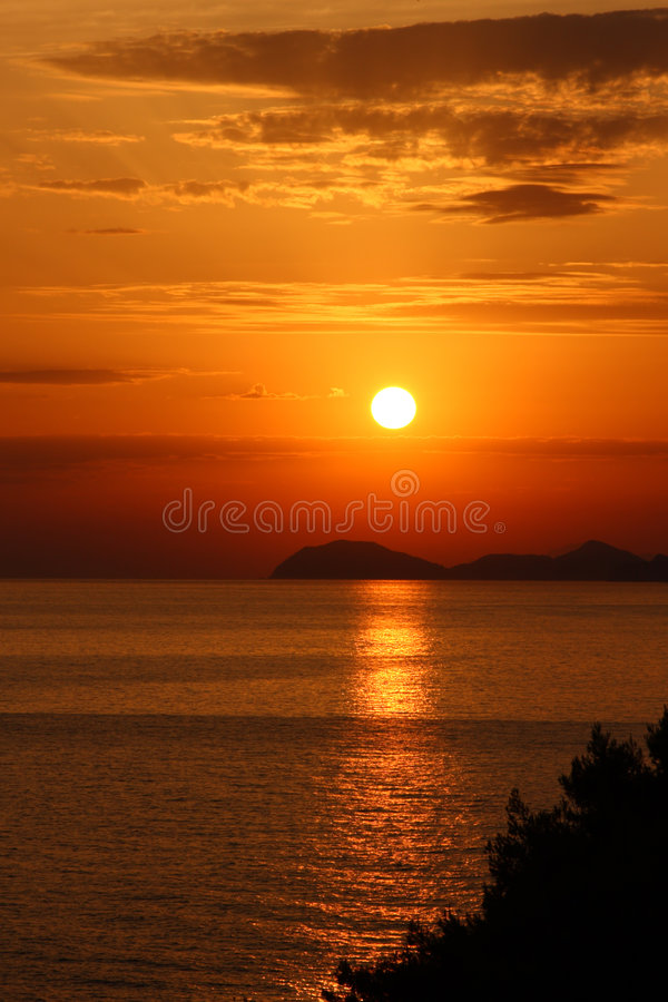 Free Bright Sunset Over Adriatic Sea Royalty Free Stock Photography - 6387397