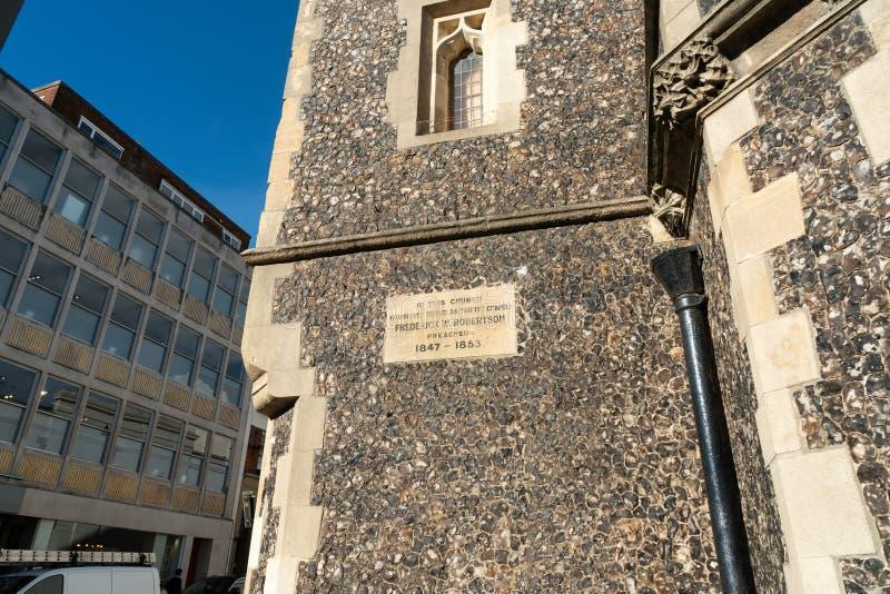 Brighton England-6 Oktober, 2018: I denna kyrka som förr är bekant som Treenighetkapellet Frederick W robertson Den gamla tappnin royaltyfria foton