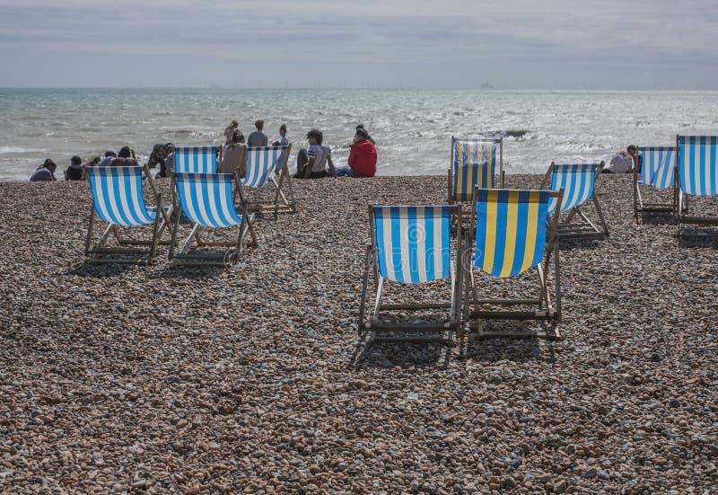 Brighton, Inghilterra, Regno Unito - un giorno sulla spiaggia, luglio 2017 immagini stock