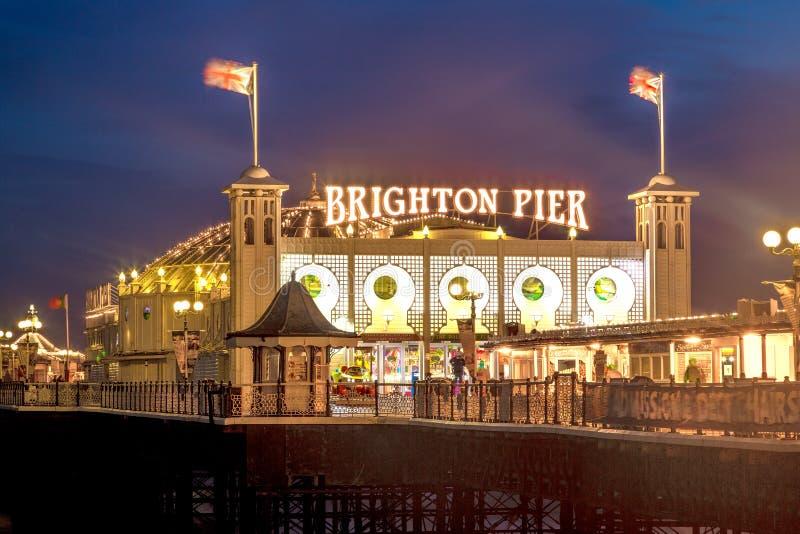 Brighton Pier bij Nacht, Sussex, Engeland, het UK royalty-vrije stock foto