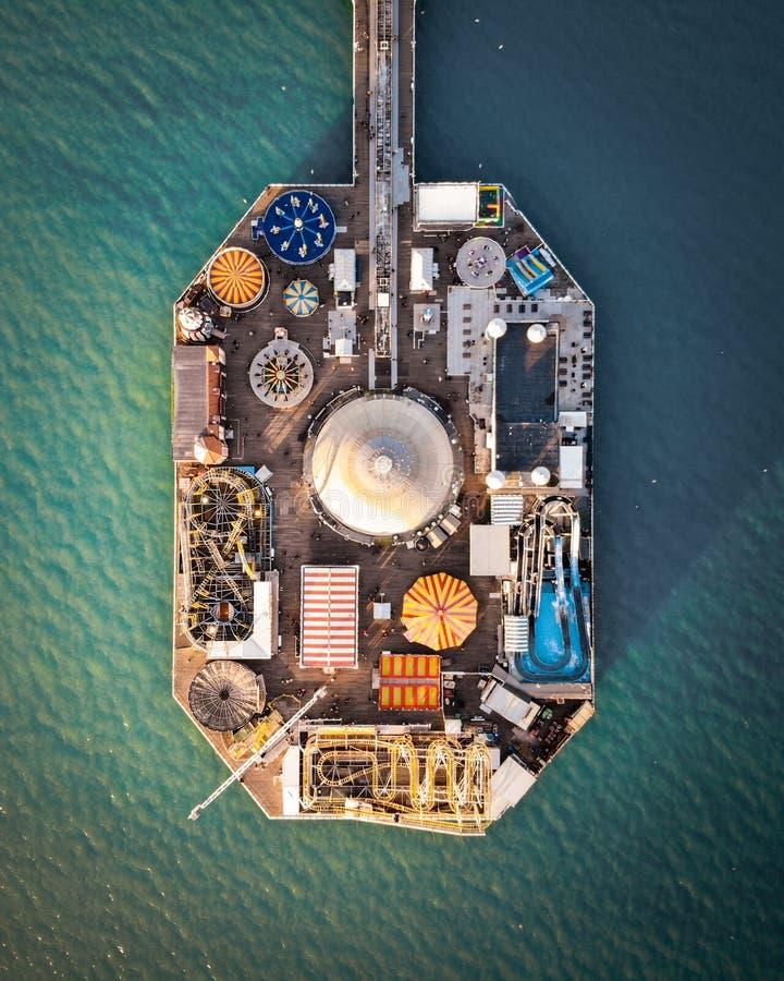 Brighton Pier, Förenade kungariket - flygfotografi arkivfoton