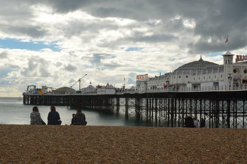 Brighton Pier op de Oostkust van Engeland stock afbeeldingen