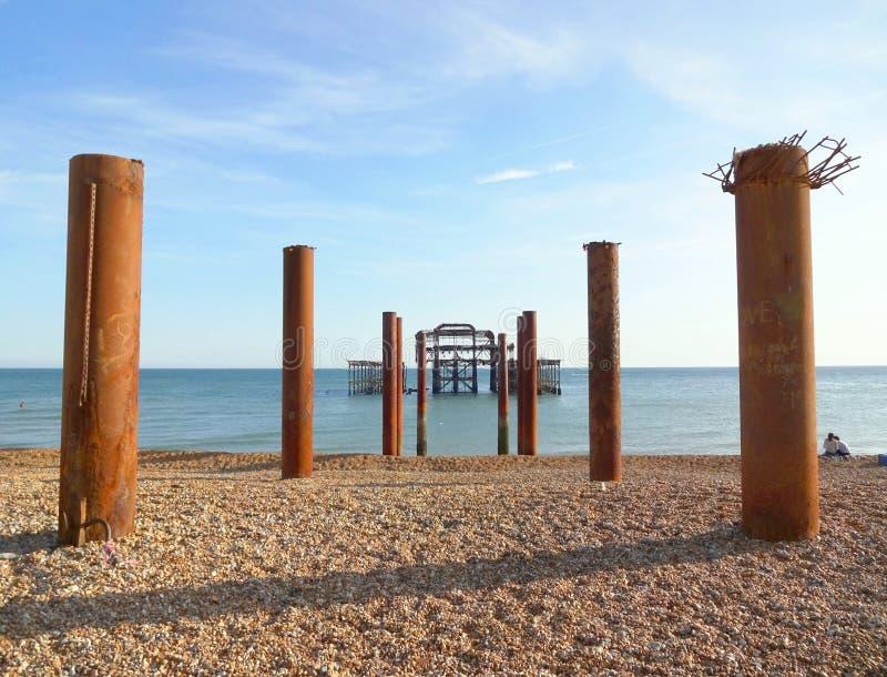 Brighton West Pier och pelare 1 arkivfoton
