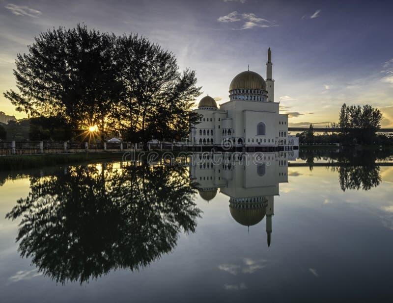 Brilho em como-Salam a mesquita fotografia de stock