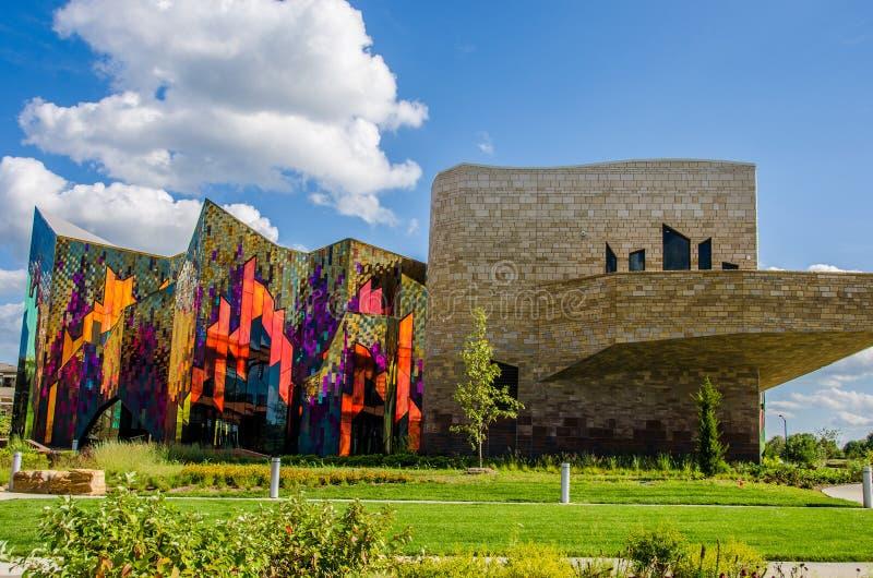 Briljante kleuren van abstracte kunst in glasvensters bij prairiespar royalty-vrije stock foto