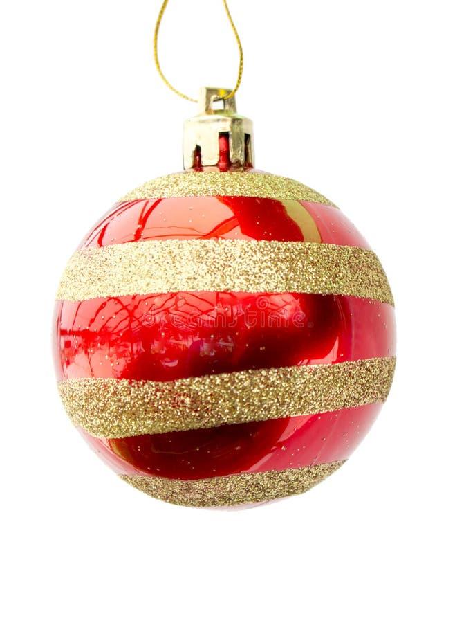 Brillantemente rosso con la sfera dell'oro di un nuovo anno dell'ornamento fotografia stock libera da diritti