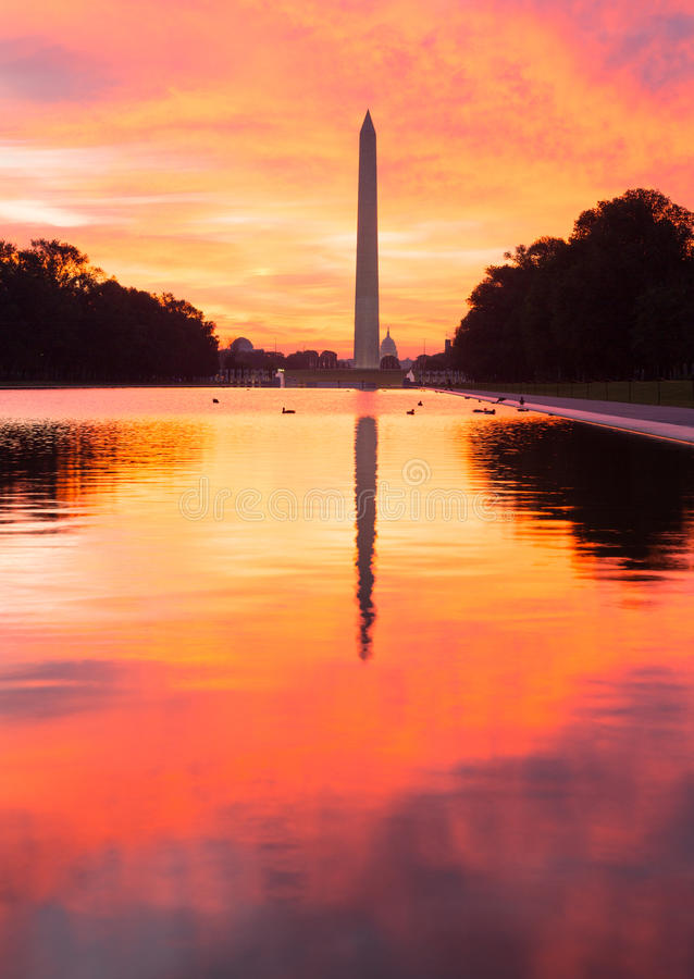 Download Brilliant Sunrise Over Reflecting Pool DC Stock Photo - Image: 26637484