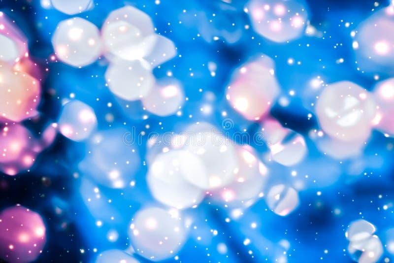 Brillo brillante chispeante mágico y nieve que brilla intensamente, fondo de lujo de las vacaciones de invierno ilustración del vector