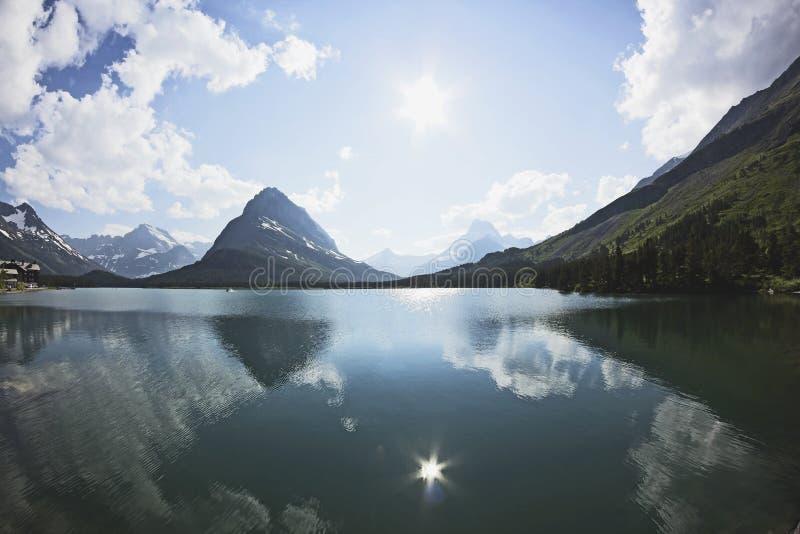 Brillo de las reflexiones a través fotografía de archivo libre de regalías
