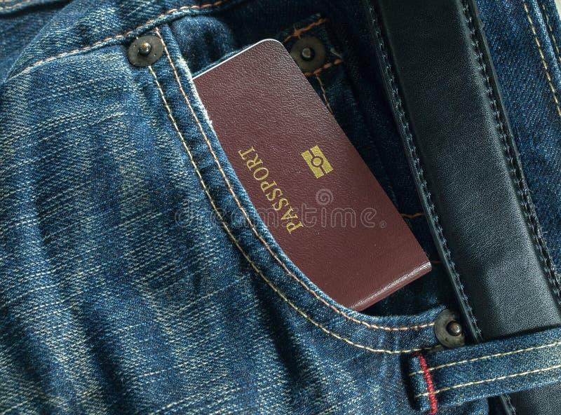 Brim e passaporte azuis imagem de stock royalty free