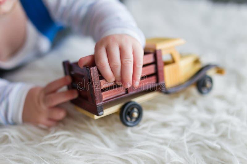 Brincadeiras com carro fotografia de stock royalty free