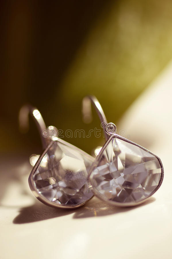 Brincos com cristais fotografia de stock