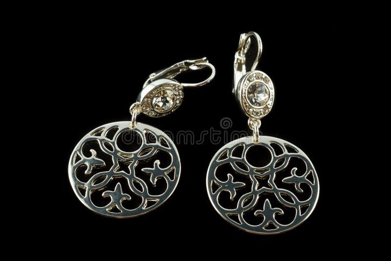 Brincos de prata com cristais imagem de stock royalty free